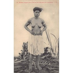 New Caledonia - Femme...